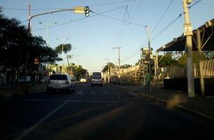 Estrutura para os desfiles começou a ser preparada   Foto: Jonathas Costa / OA