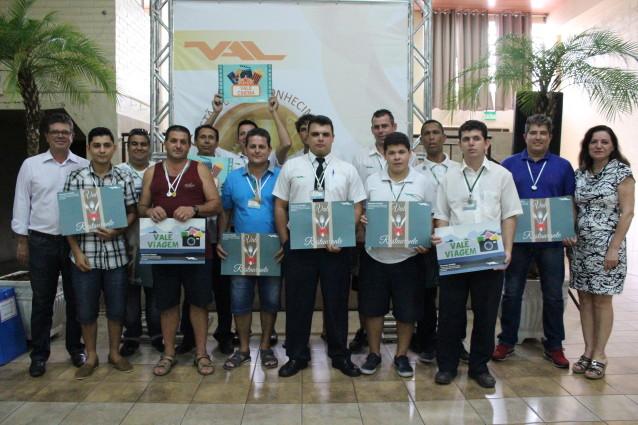 Funcionários receberam presentes em sorteios realizados durante as atividades | Foto: Soul / Divulgação / OA