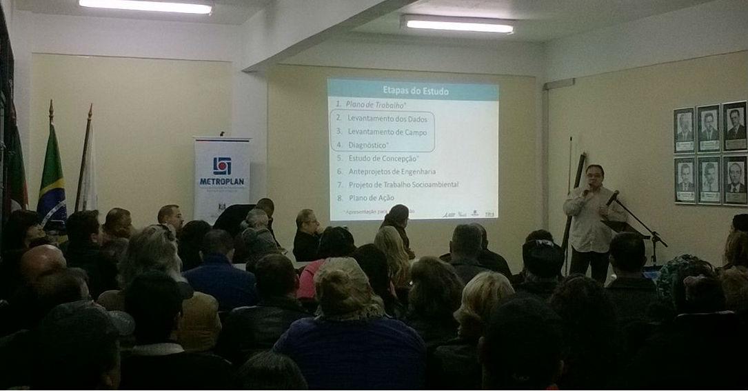 Engenheiro apresentou diagnóstico das cheias / Foto: Mariú Delanhese / OA