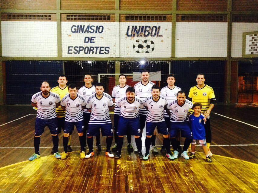 Samba - Futebol & Socialismo, além de futebol, trás suas confrarias