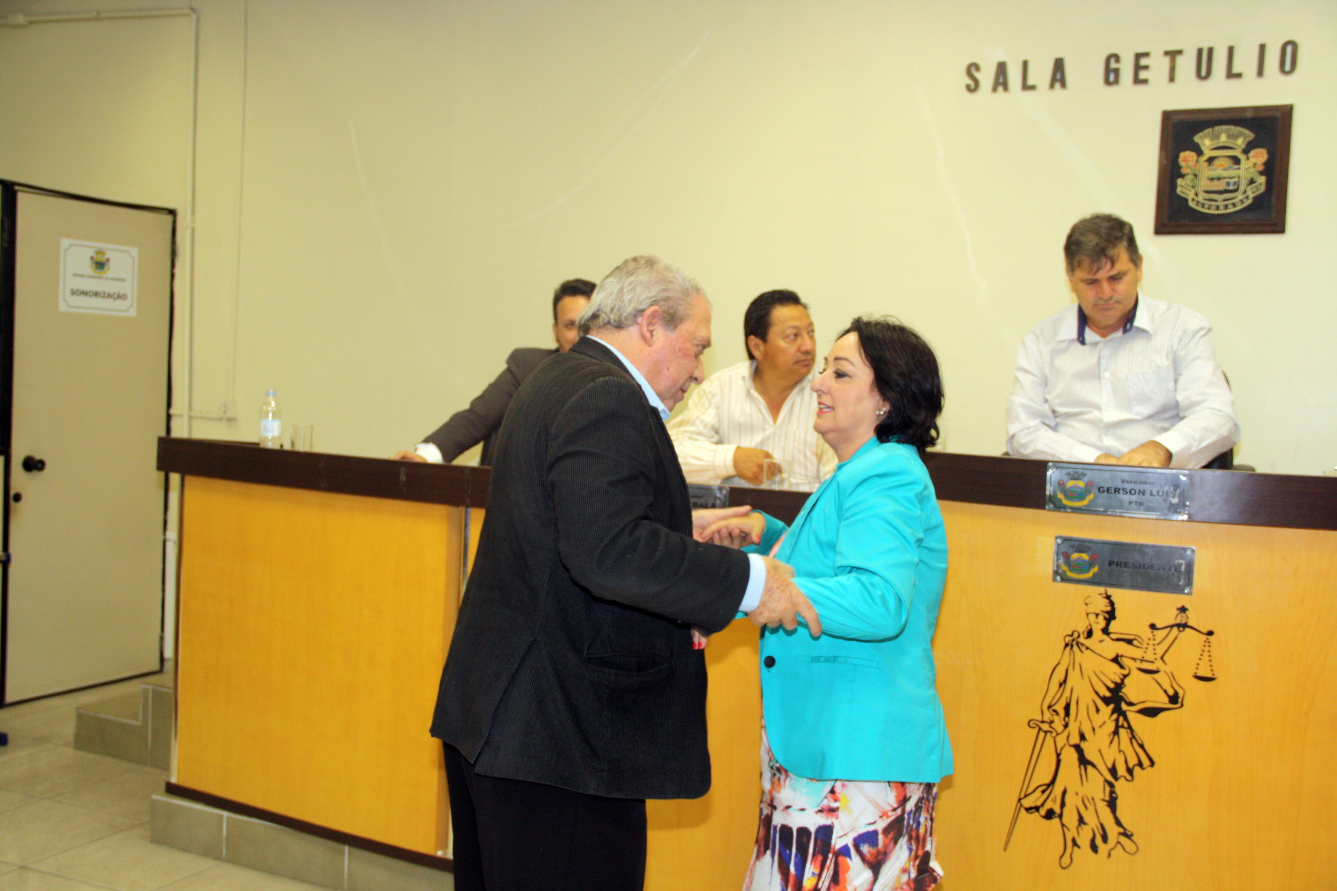Appolo cumprimentou a vereadora Nadir pela campanha realizada / Foto: Magno Derlon / Especial / OA