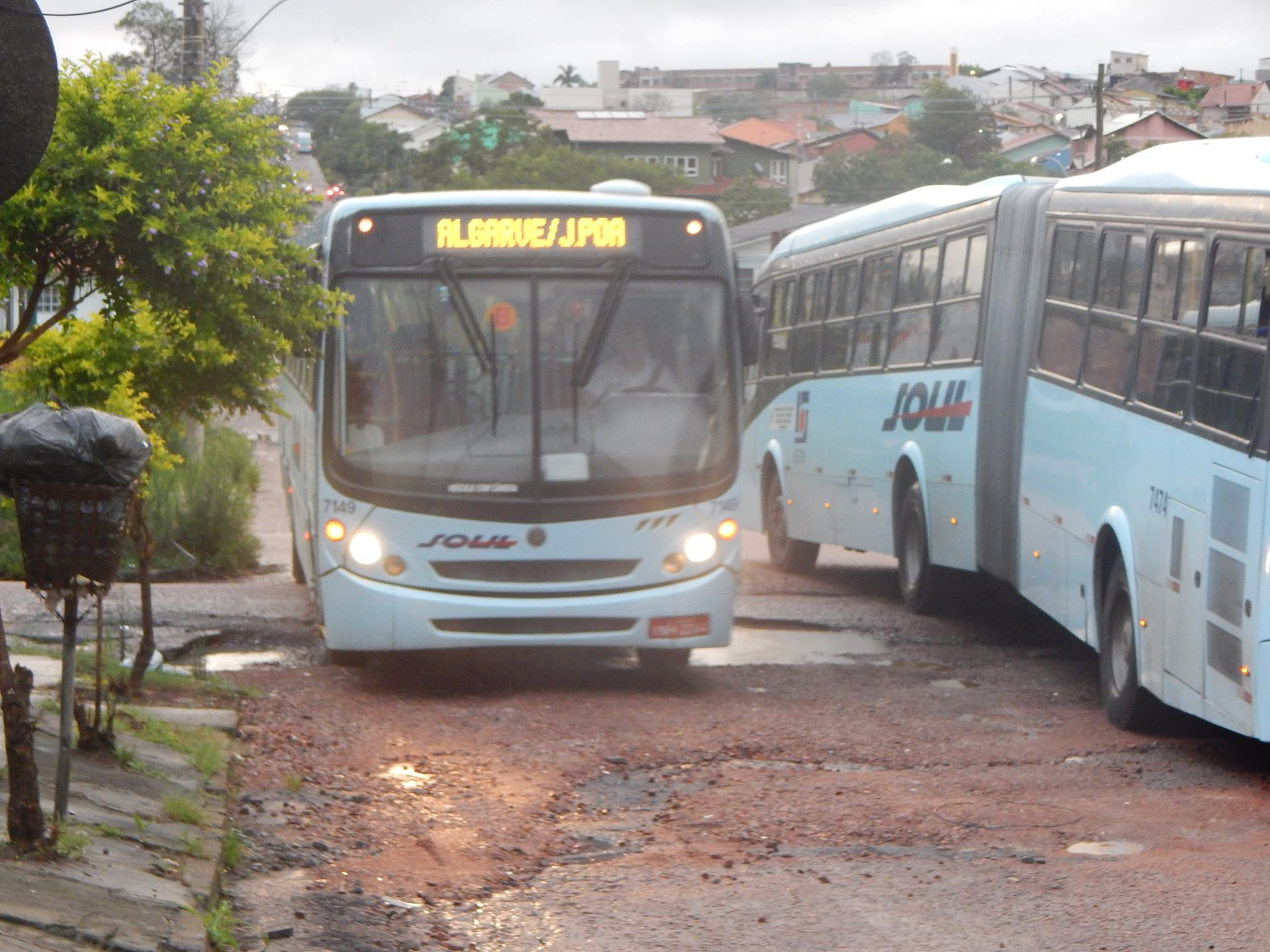 Ônibus já não circulam mais pela via / Foto: Caroline Liigabue / Especial / OA
